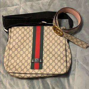 Gucci GG Supreme messenger (negotiable)